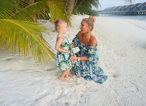 Billie-Faiers-Nelly-Maldives