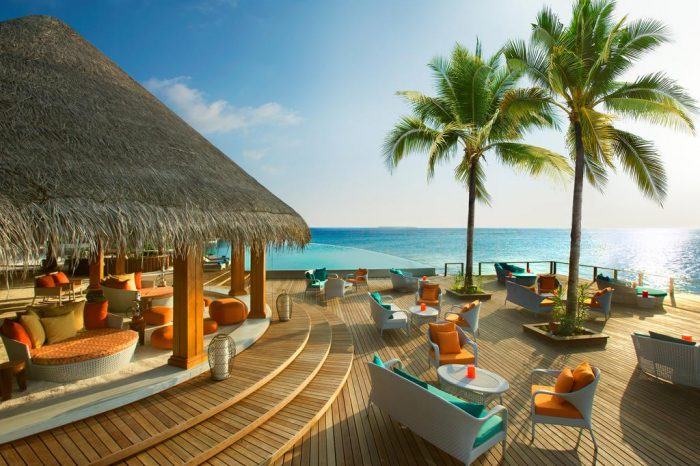 3 nights in Beach Deluxe Villa with Pool of Dusit Thani Maldives for Middle East LS